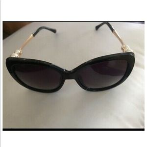 CHANEL Accessories - NWOT gorgeous Authentic Chanel sunglasses